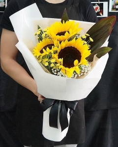 3 sunflower bouquet